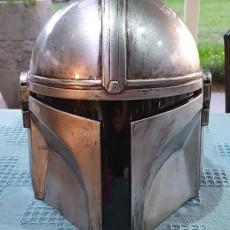 Picture of print of Mandalorian Helmet