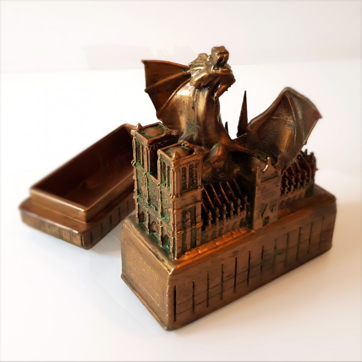 Notre-Dame and the dragon box