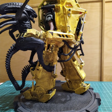 Picture of print of DIY Alien vs. Power Loader fight with LED lights