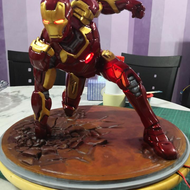 Iron Man MK43 - Super Hero Landing Pose - with lights - MINIMAL SUPPORTS EDITION