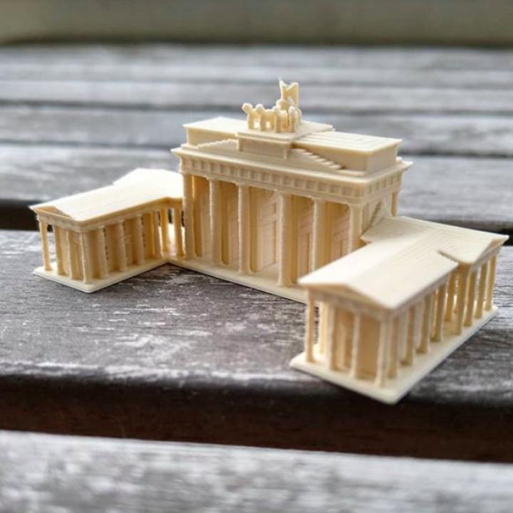 Brandenburg Gate (Complete) - Berlin