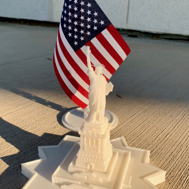 Statue Of Liberty (with Base) - 1:1000 / 1:700