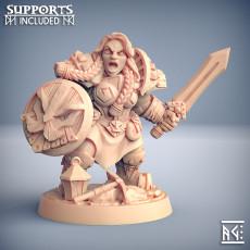Dwarven Defender - C (Lady) Modular