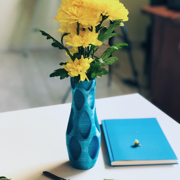 DIY Decorative Vase | Decor Ideas