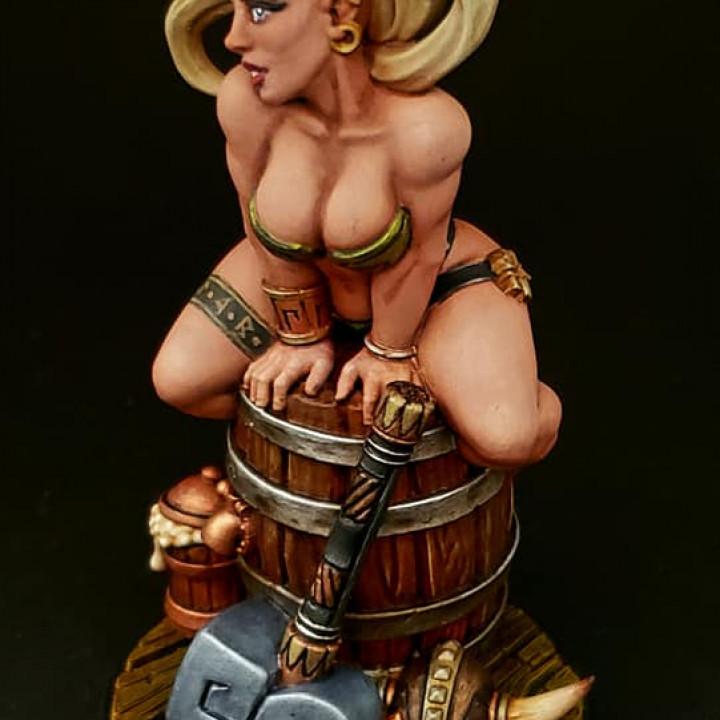 Runa - Dwarven Beauty (Fantasy Pin-up)