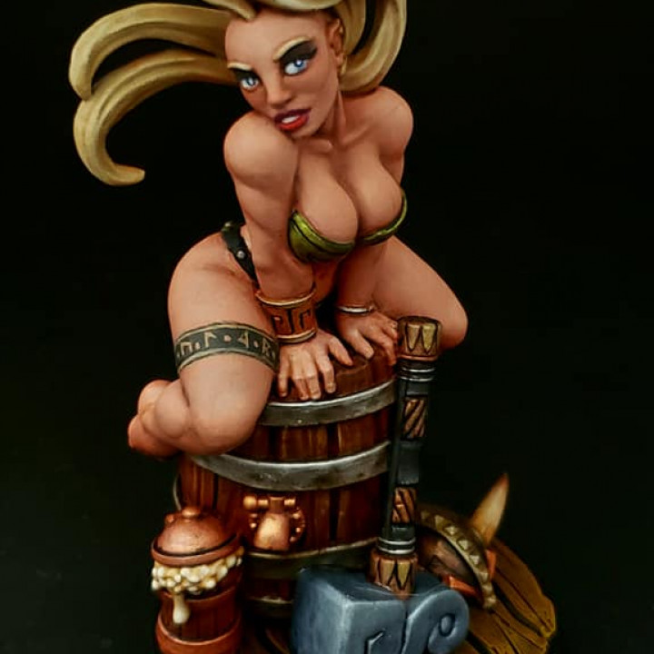 Runa - Dwarven Beauty (Fantasy Pin-up)