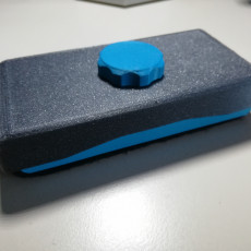 Magnetic whiteboard eraser with removable felt pad