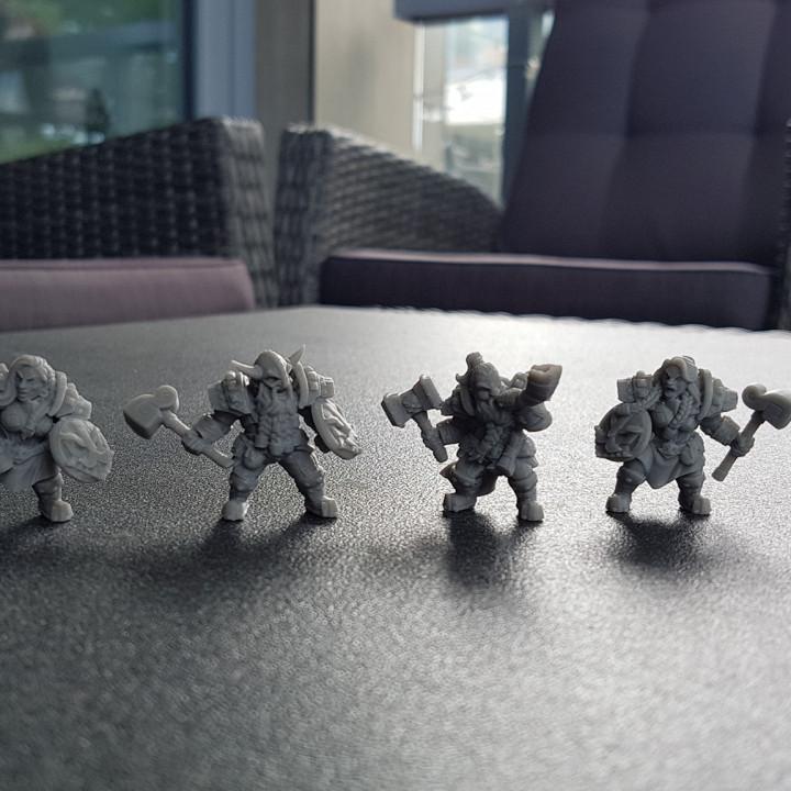 COMPLETE Dwarven Defenders (presupported)