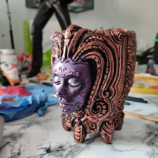 Picture of print of ornate pen holder