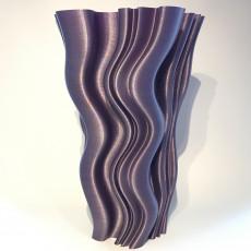 Super wavy vase