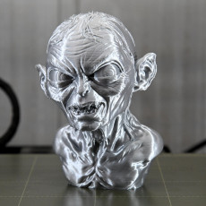 Picture of print of Golum bust, from Lord Of The Rings
