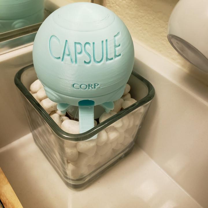 Capsule Corp - Small Ship (Dragon Ball Z)