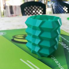RhombicDodecahedro-vase