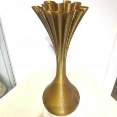Water bomb vase
