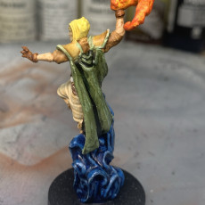Human Female Sorceress (32mm scale miniature)