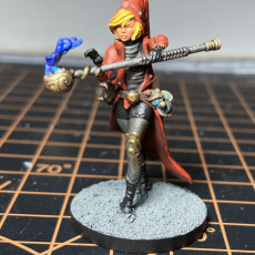 Picture of print of Human Female Wizard (32mm scale miniature)