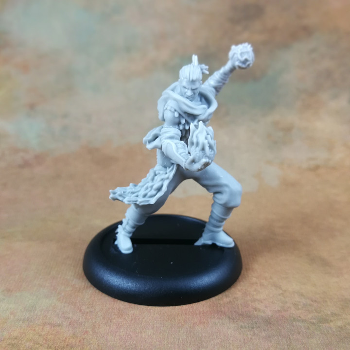 Human Male Sorcerer (32mm Scale Miniature)