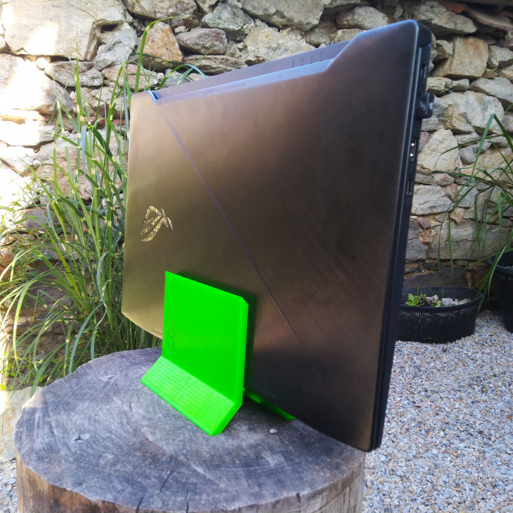 Y - Vertical Laptop Stand Universal v1