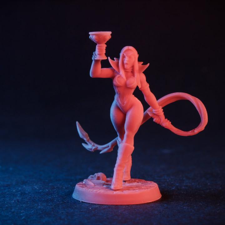 Maligna - Vampire Beauty (Fantasy Pin-Up)