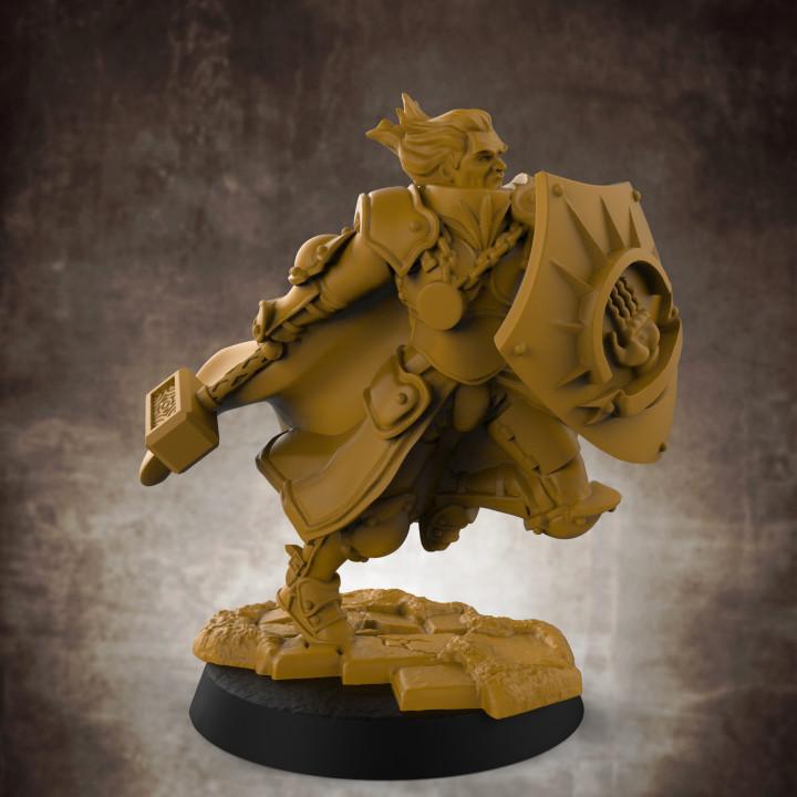 Human Male War Cleric (32mm scale miniature)