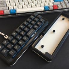 Alpha keyboard case (PyrooL 28-key PCB)