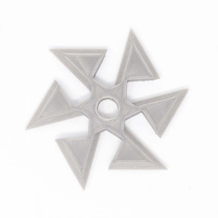 Jagged shuriken