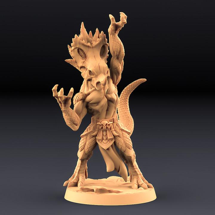 Kaztot Stormcaller - Goldmaw Lizard Hero