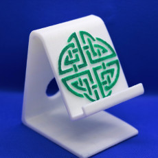 Celtic circle knot phone stand