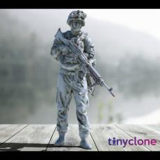 US Marine with machine gun   USMC