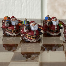 Picture of print of Dwarven Santa Miniature 这个打印已上传 Royal