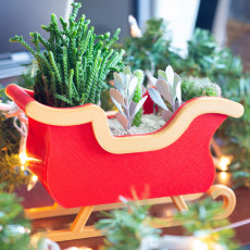Christmas Sleigh Decor/Planter