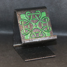 Celtic square knot phone stand