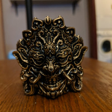 Oni pen holder design 1