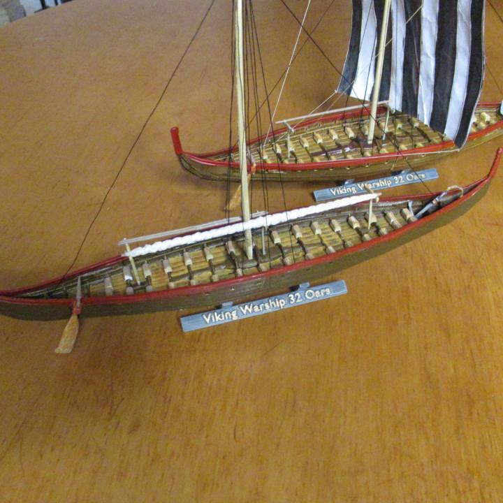 Medium Viking Warship  With 2x16 Oars ca. 850 AD and ca. 1000 AD