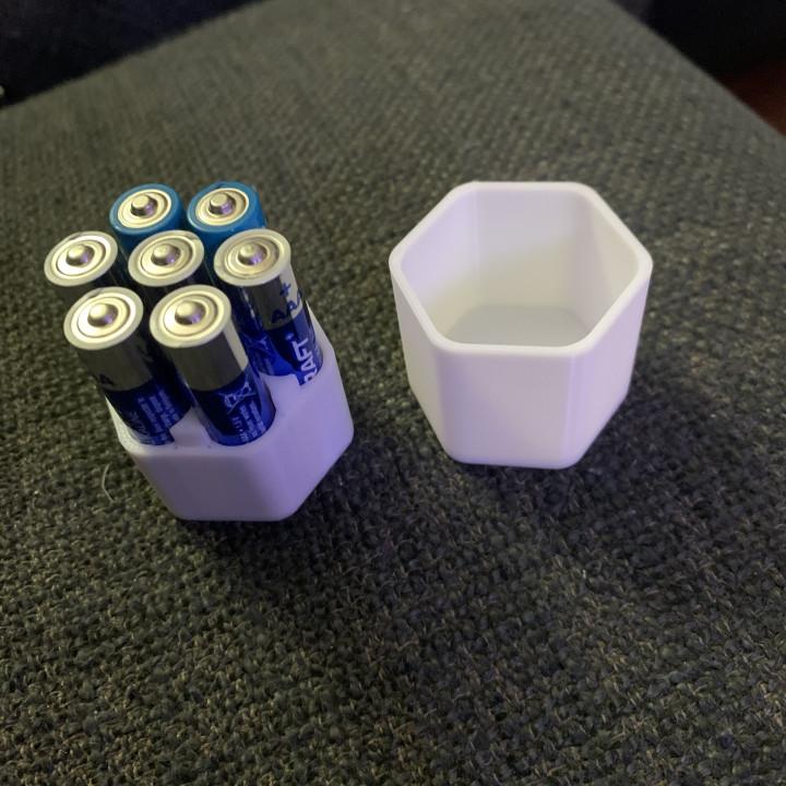 [Remix] Battery Case - AAA Batteries - 7pk