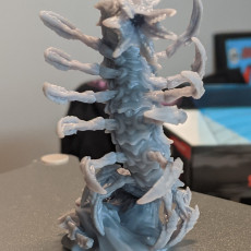 Picture of print of Remorhaz-Worm/centipede monster (large size)
