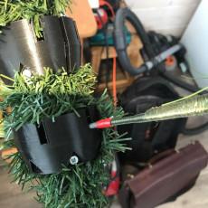 Крепление веток на ёлку . attaching branches to a Christmas tree