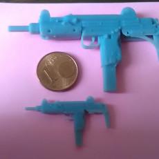 Picture of print of Uzi submachine gun - scale 1/4