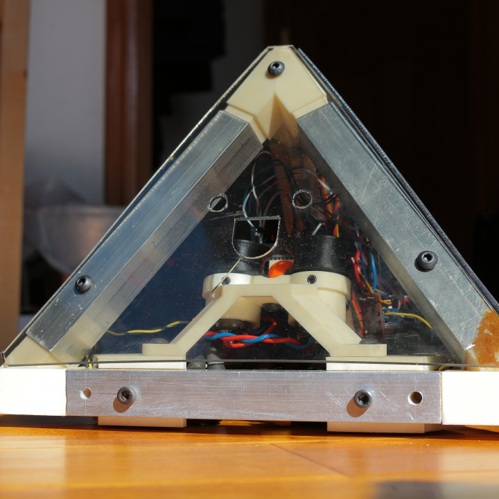 Pyramidian Robot (3-Mobile Holonomic Drive)