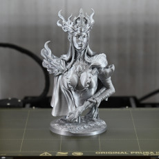 "Picture of print of Eldia Evilian ""The Mad Queen"" 1/10 Bust"