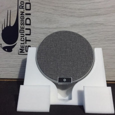 Stand for wireless charger By MelcuDesign