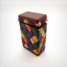 Box with hinge, printed in one part, harlequin patterns.