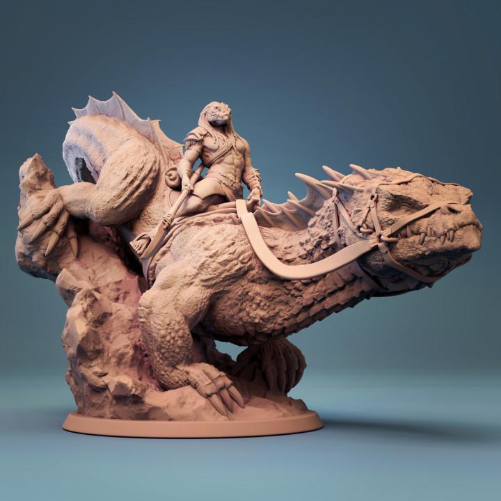 Giant Lizard mounted and unmounted