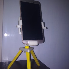 Picture of print of Adjustable tripod for smartphone
