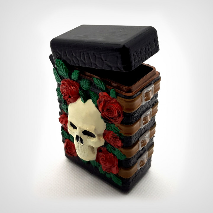 Gothic box with hinge.