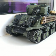Modified turret with articulated hatches for Sherman Fury