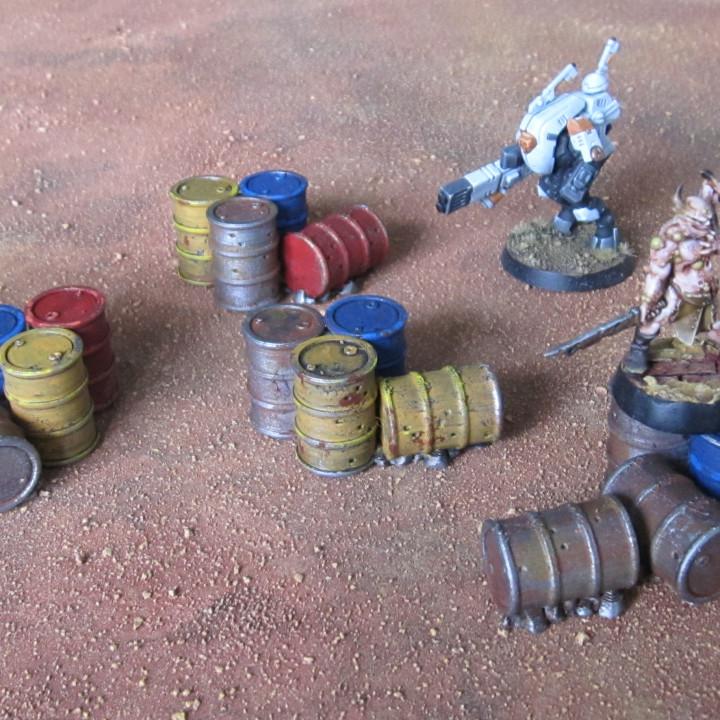 Wargame 28/32mm barrels pile / cluster