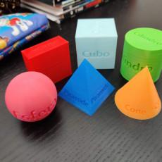 Geometric 3d shapes (Portuguese edition)