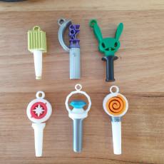 KPop light stick keyrings (8 groups inc BTS)