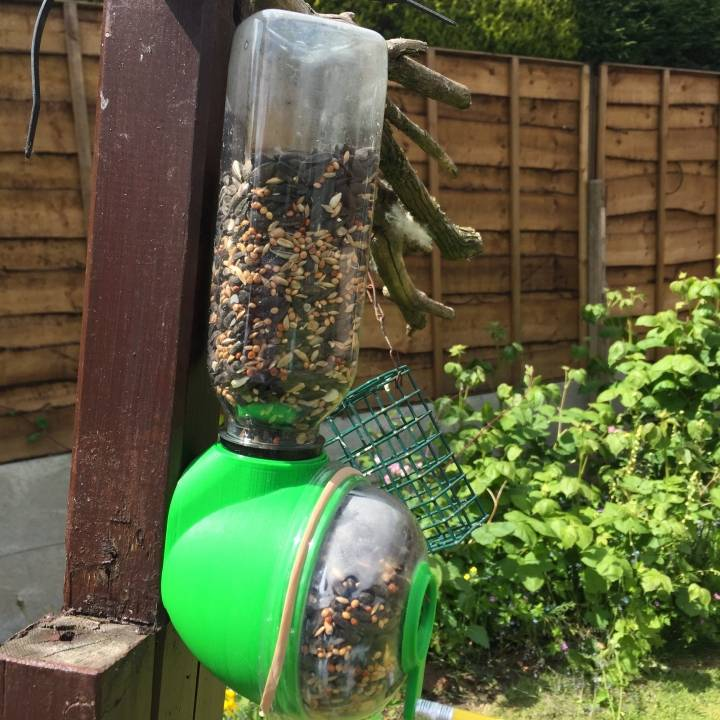 3d printable upcycled bird feeder by helder l santos for Upcycled bird feeder